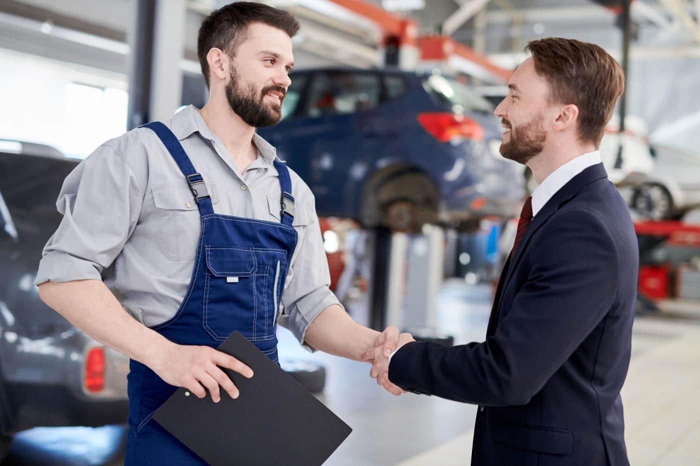 Betere klanttevredenheid, klantbehoud en cashflow in de automotive sector